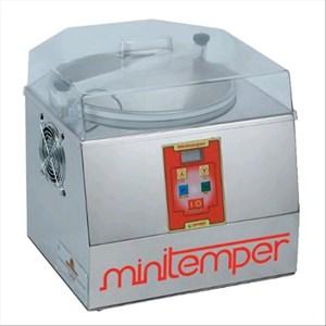 CHOCOLATE TEMPERING MACHINE - Mod MINITEMPER - Cold air cooled - Capacity 5L/3Kg - Power W 300 - Dimensions cm L 40 x D 42 X 40 H - CE approved