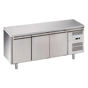 REFRIGERATED COUNTER - STAINLESS STEEL AISI 201 - VENTILATED COOLING - Mod. G-GN3100TN FC - GASTRONORM 1/1(cm 53x32,5) - TRIPLE SOLID DOOR - CAPACITY Lt 417 - TEMPERATURE -2°/+8°C - Dimensions cm L 179,5 x D70 x h85 - CE APPROVED